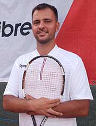 tenis-de-camp-tomesti-patrick-grigoriu-antrenor-tenis-de-camp